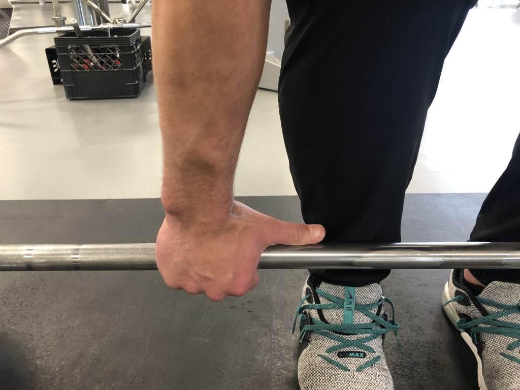 Deadlift grip width