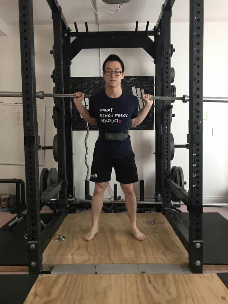 wearing a belt for squat and deadlifts