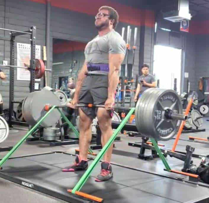banded deadlift