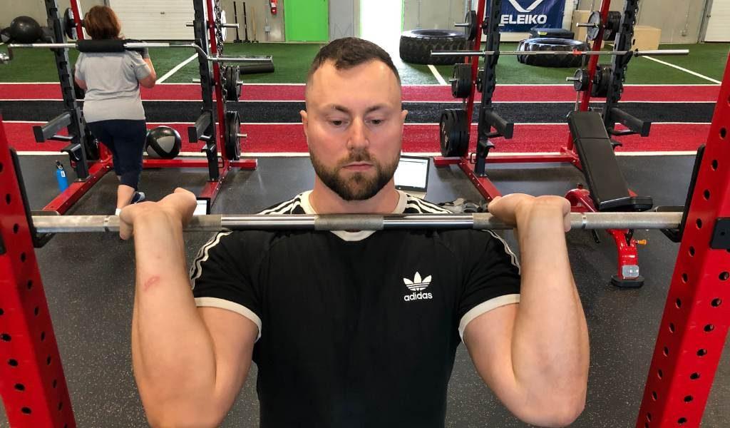 standard front squat grip