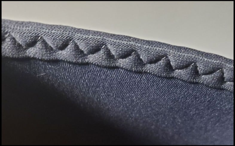 Stitching on knee sleeves
