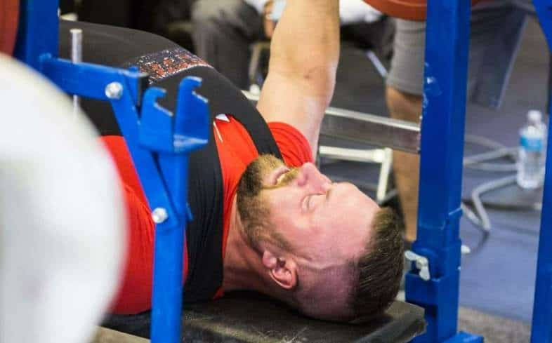 differences between powerlifting vs. bodybuilding bench press