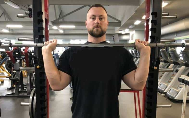 Powerlifters don't prioritize their shoulder training