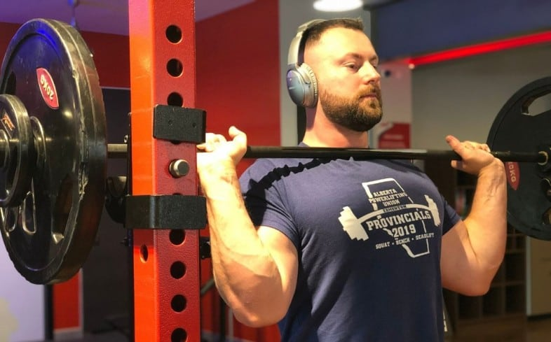 Training shoulders can increase your shoulder health for powerlifting