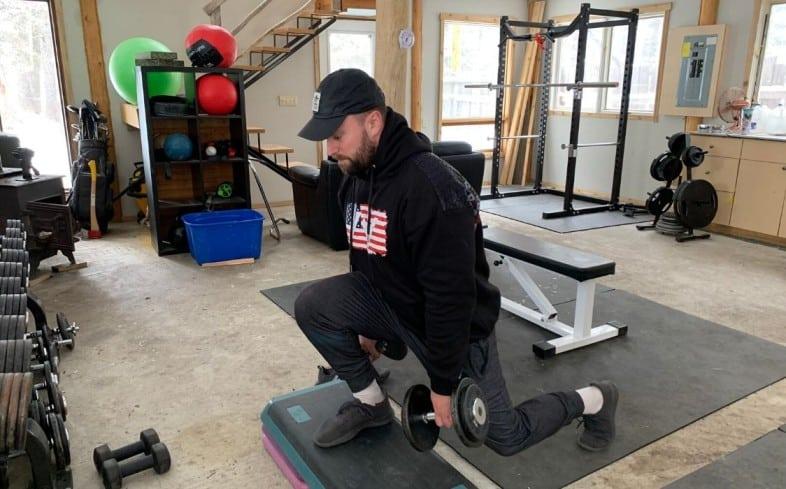 Front squat alternative: front foot elevated dumbbell split squat