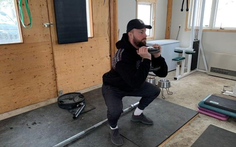 Front squat alternative: goblet squat