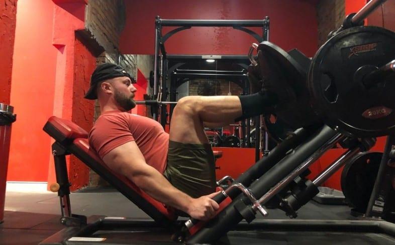 Front squat alternative: narrow stance leg press