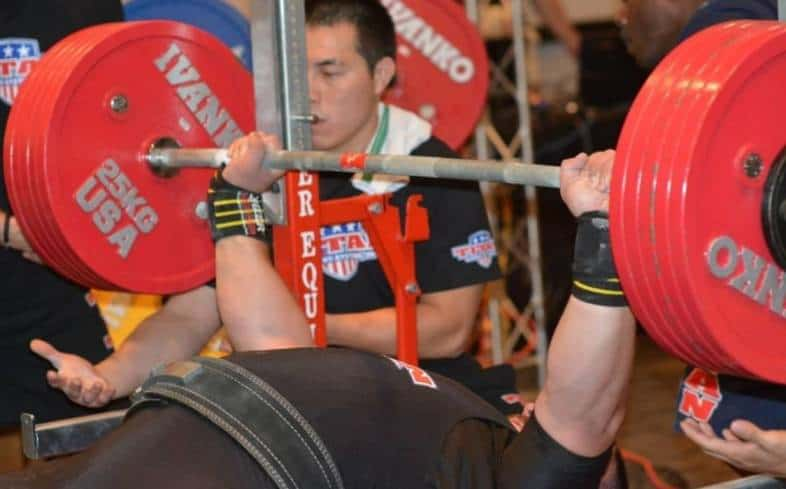 learn the movement standards that are followed in powerlifting competition