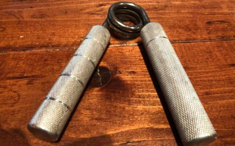 5 common protocols that you can use to increase your grip strength by using grip strengthener devices