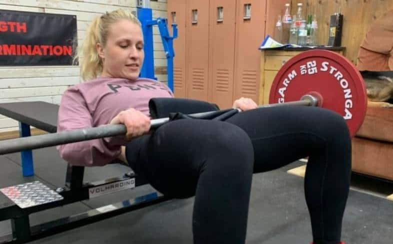 pause at the top hip thrust