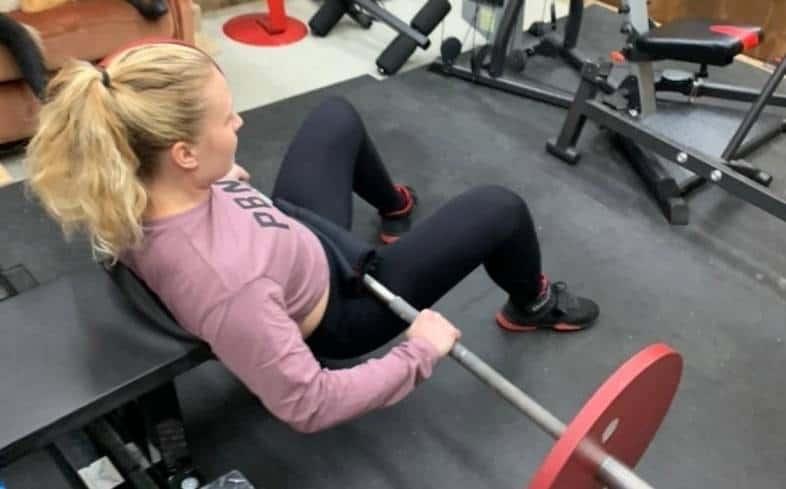 rotate your feet outwards hip thrust