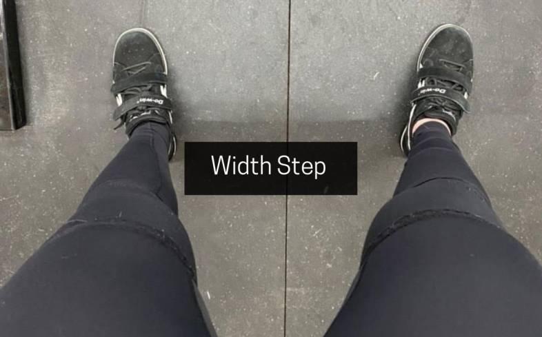 squat stance width