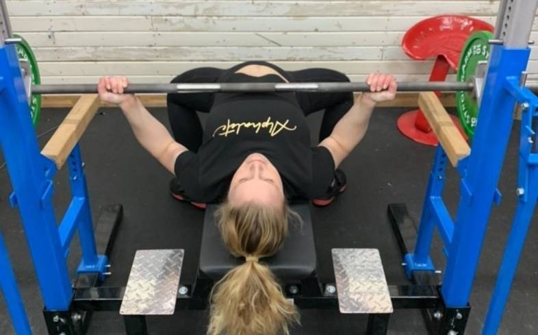 5 benefits of the reverse grip bench press
