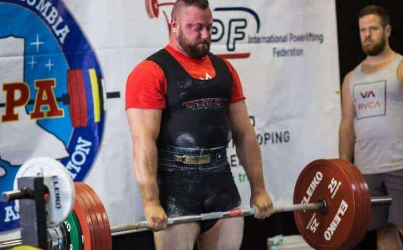 the deadlift rules for performance are practically the same for both federations