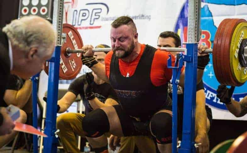 the rules of performance for the squat is largely the same with USAPL and USPA
