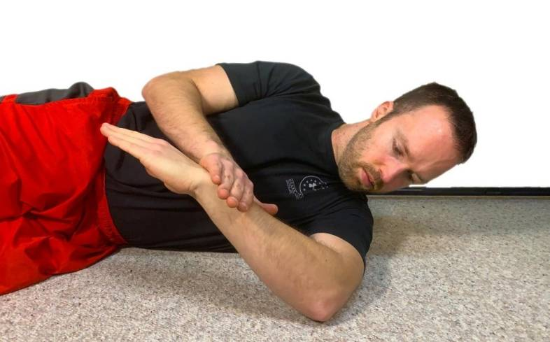 the finishing position for the sleeper stretch