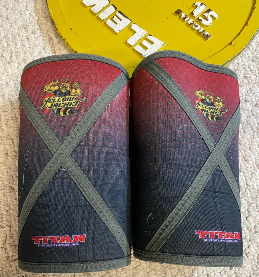 approval for competitive powerlifting for titan yellow jacket knee sleeve