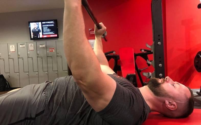 how to set up a close grip bench press