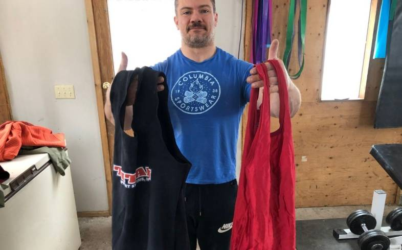 differences between wrestling singlet and powerlifting singlet
