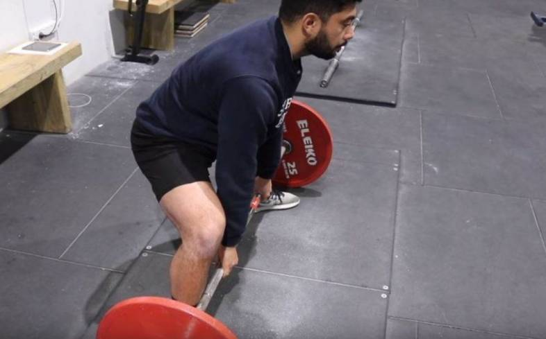 a common deadlift mistake you'll find even among those with some lifting experience, is not creating enough tension before initiating the lift