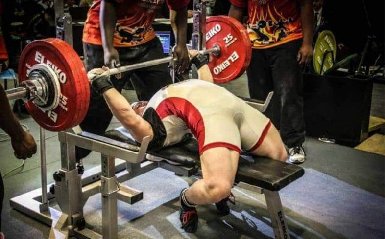 creating an arch in bench press