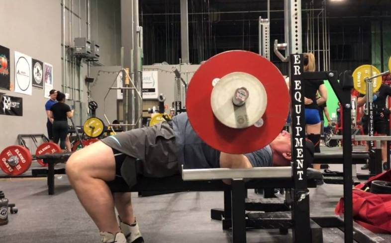 the pros of bench pressing everyday