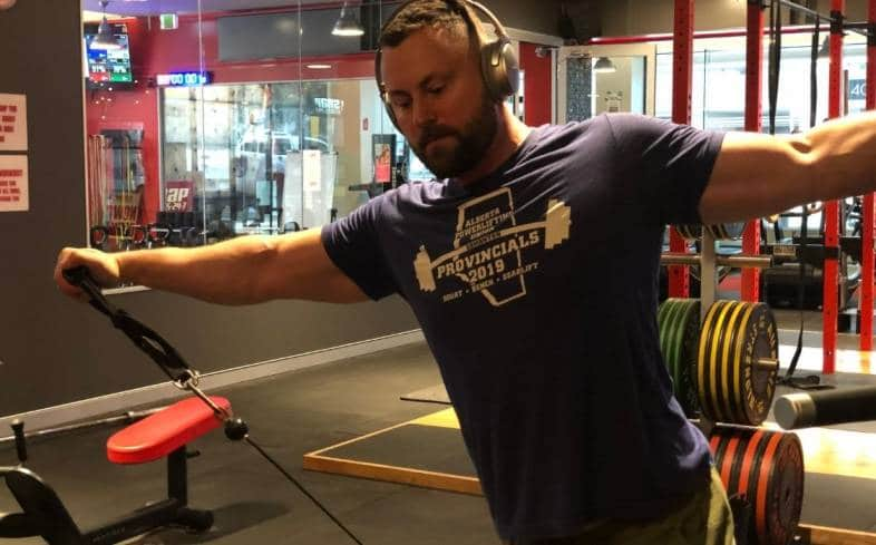 how to maintain strength while on a cutting program for powerlifting