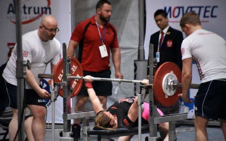 one flight powerlifting competitions
