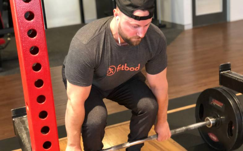 how your deadlift style affects your shin angle