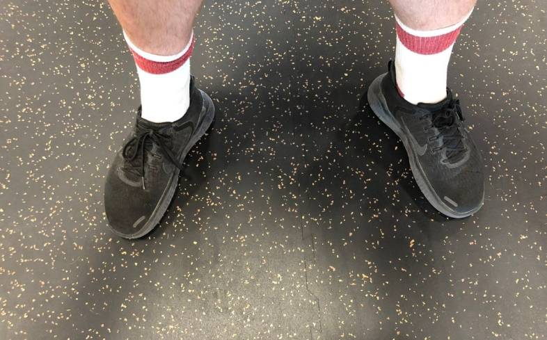 main causes for duck feet while squatting