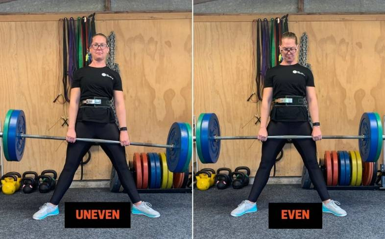 setting up symmetrically and consistently the sumo deadlift