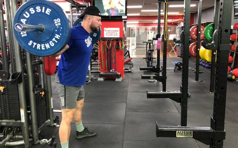 can you still train if your hamstrings are sore from squatting